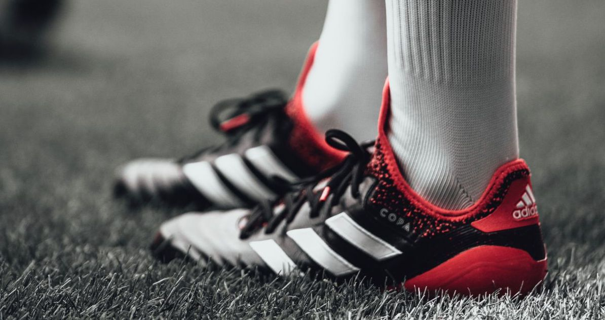 Pros and Cons of Leather vs Synthetic Soccer Cleats
