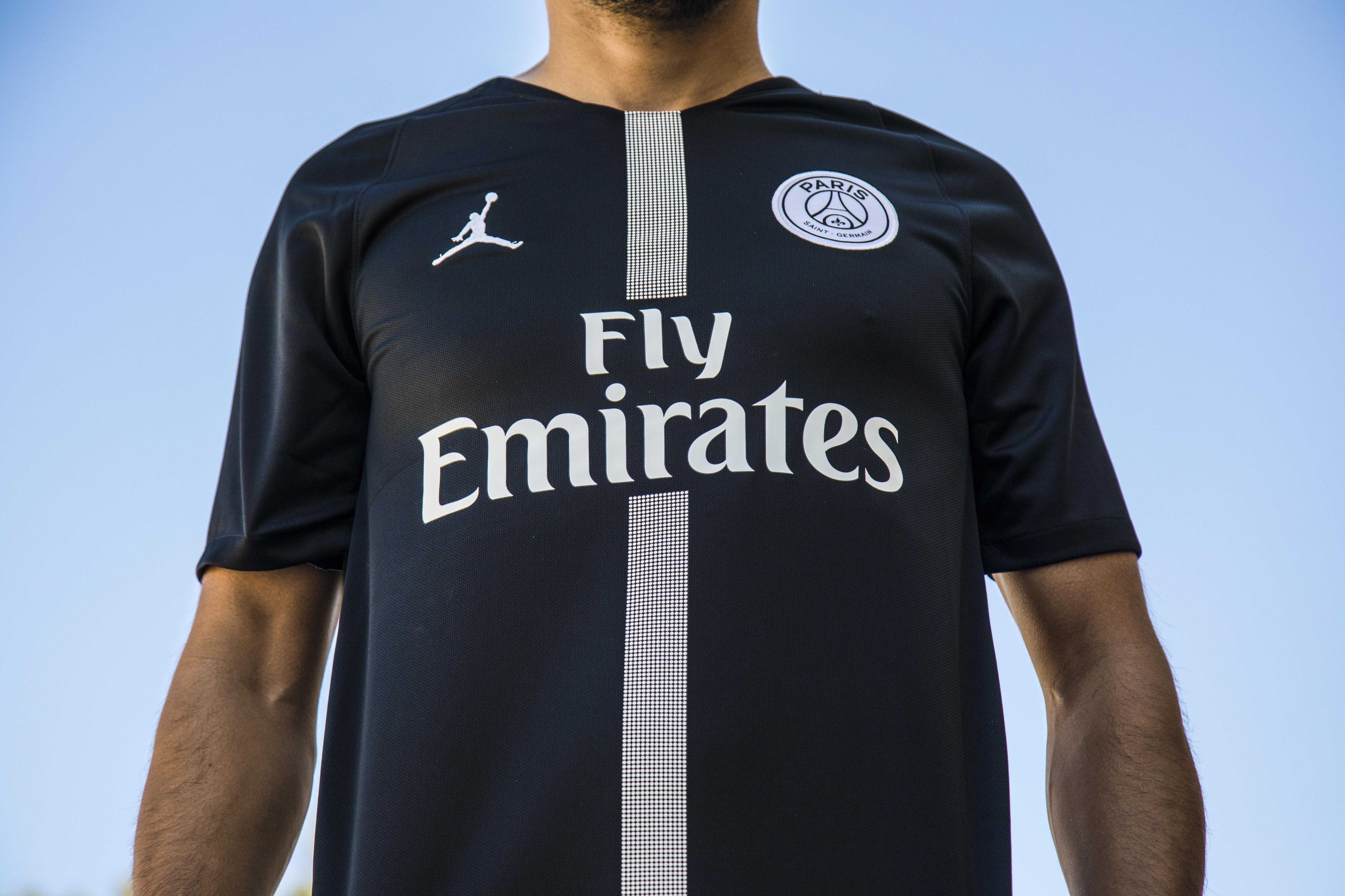 separation shoes 23322 03028 Jordan PSG Jersey - First Look and All the Details